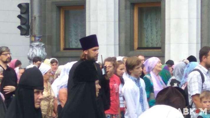 Конвертація Бога. Чому українські політики так люблять ходити до церкви