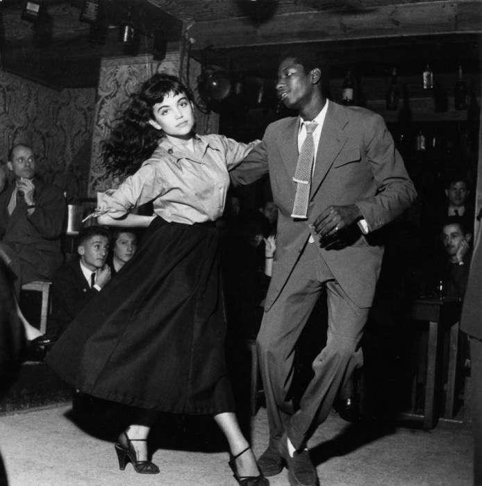 Пара, танцующая «Бибоп» в клубе, 1950 год