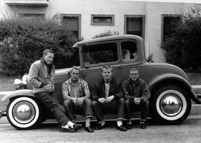 Американские тинэйджеры и их первая машина, 1950 год