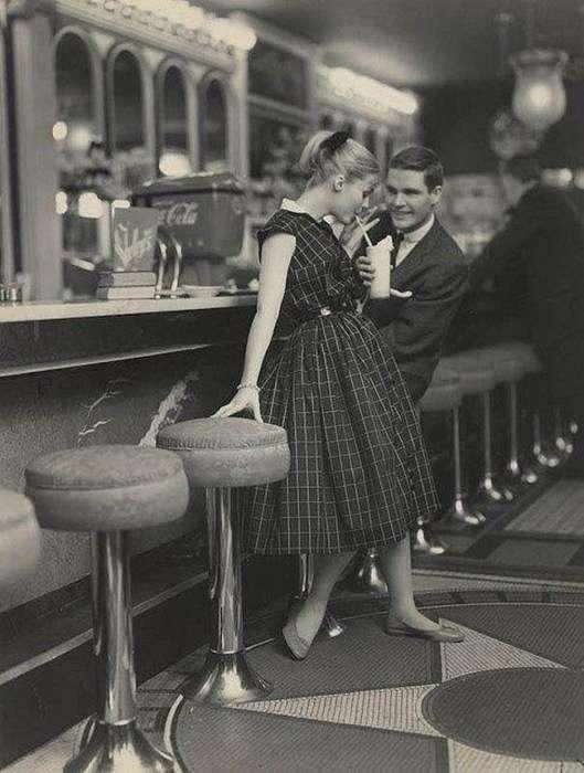 Милая пара на свидании, 1950 год