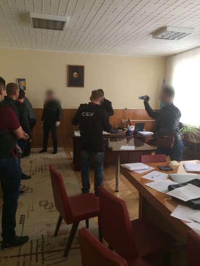 У Вінниці затримано на хабарі депутата облради від партії Ляшка