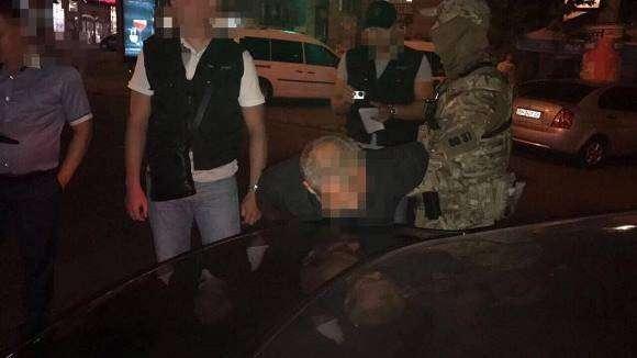 Високопосадовець Одеської облдержадміністрації вимагав від спортсменів хабарі