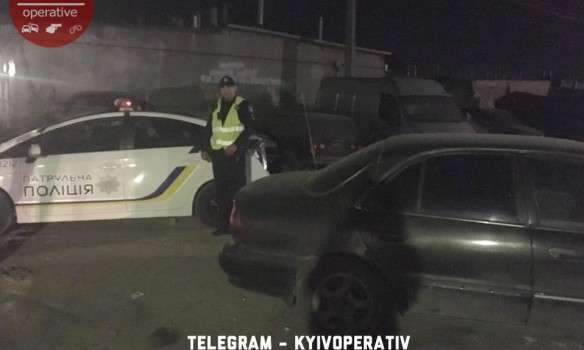 Вночі у столиці банда в балаклавах влаштувала стрілянину, поранено чоловіка