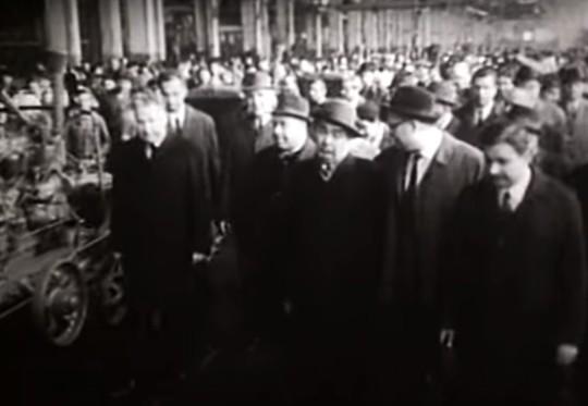 Леонід Ілліч на Харьківському тракторному заводі