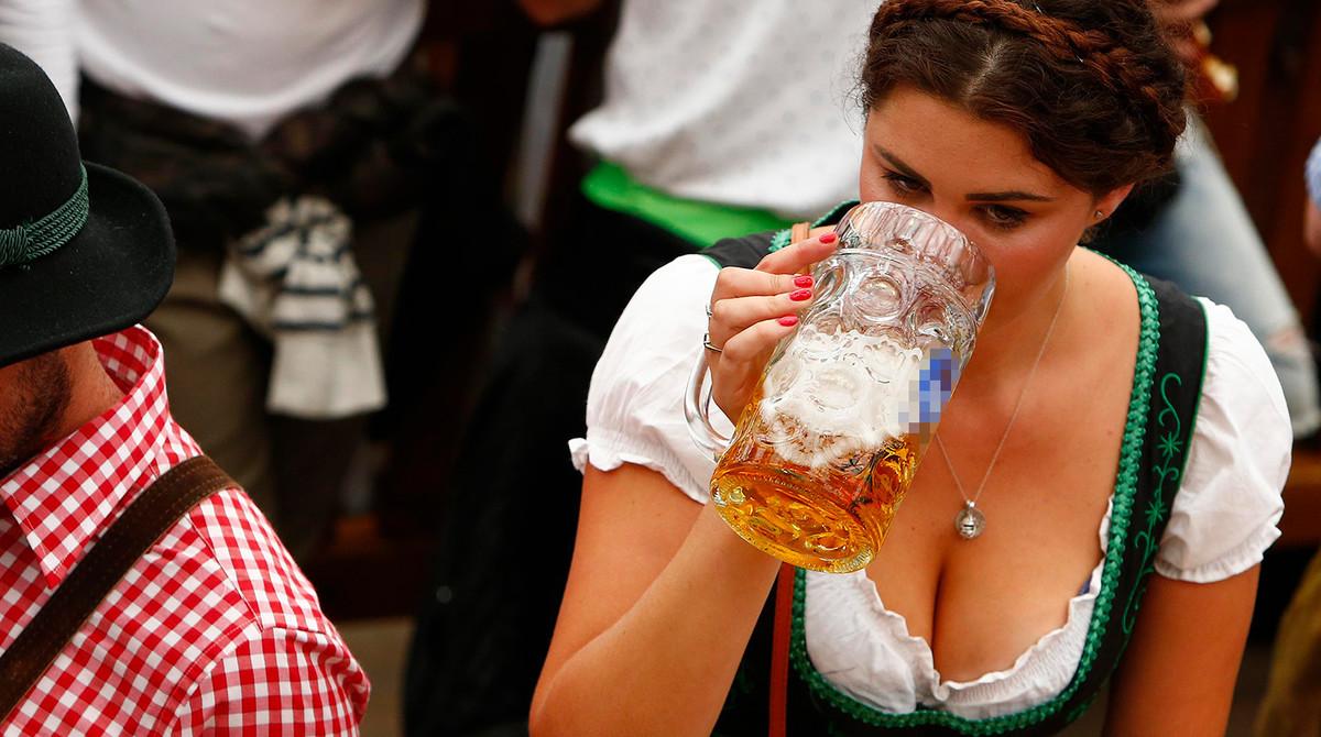Самые большие сиськи на фестивале пива #9