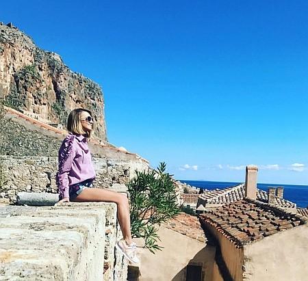 Ведущий «Евровидения» поделился снимками с медового месяца с дочерью миллиардера