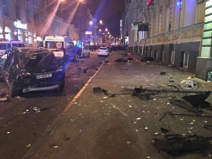 У центрі Харкова іномарка влетіла у натовп: п'ятеро загиблих та шестеро поранених