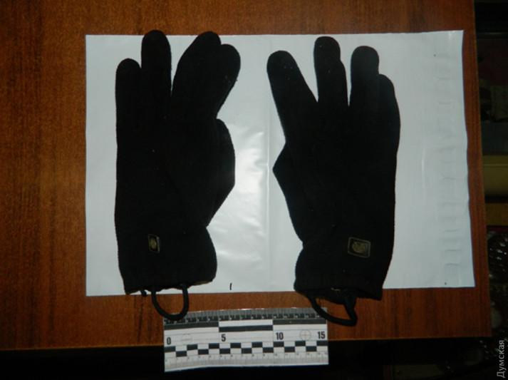 Підліток, який пограбував супермаркет на Одещині, попався на крадіжці тістечок