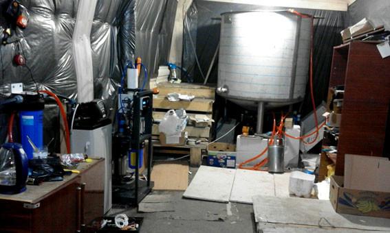 Правоохоронці на Вінниччині вилучили алкогольного фальсифікату на півмільйона гривень (фото)