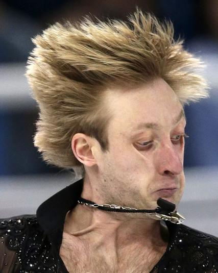 Олімпійські курйози спортсменів: як інколи смішно виглядають фігуристи під час змагань. Фотогалерея