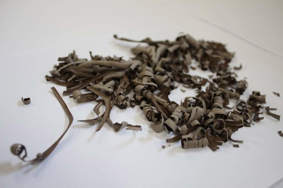 Здесь показаны эксперименты с суданской почвой, чтобы получить новые прочные материалы.