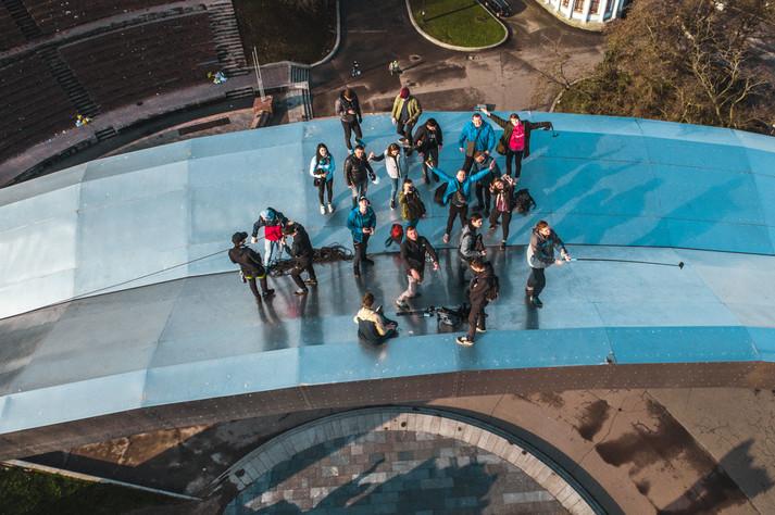 Руфери видерлись на Арку дружби народів у Києві: фото, відео