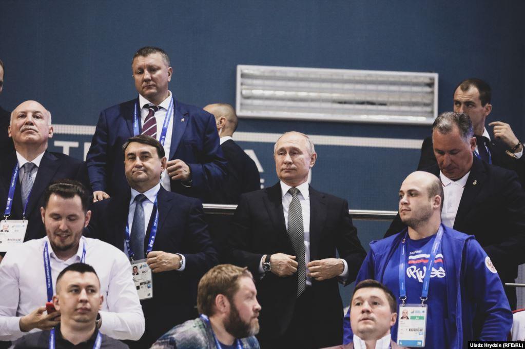 Український боксер змусив Путіна встати під час виконання «Ще не вмерла» (фото, відео)