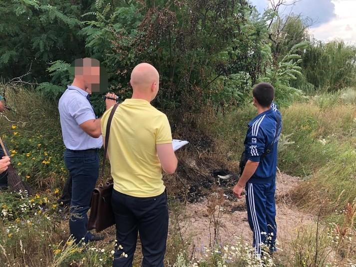 Під Києвом будівельники вбили, підпалили і закопали хлопця в лісі (фото)
