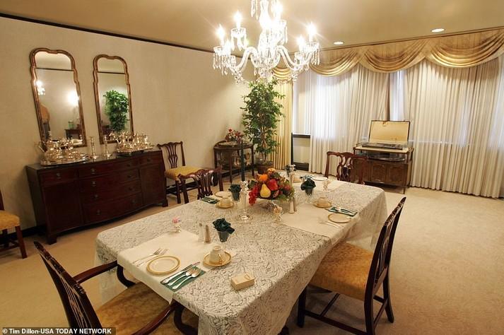 У його палаті є окрема кімната для зустрічей з держслужбовцями та ізольована оглядова / USA TODAY