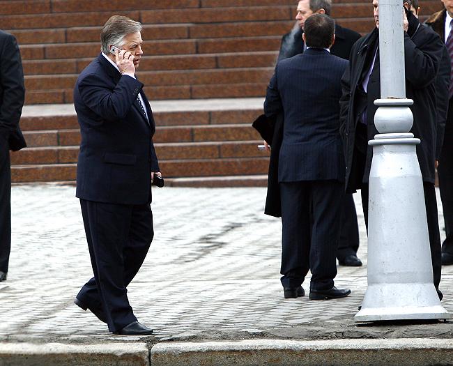 ... и его шеф, глава КПУ и экс-кандидат в Президенты Петр Симоненко