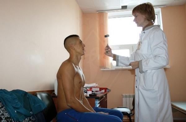 Видео парень на осмотре у русских медсестер — 9