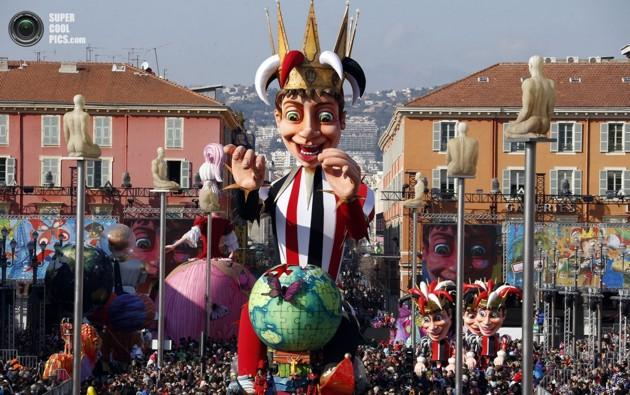Король открывает ниццкий карнавал 2013