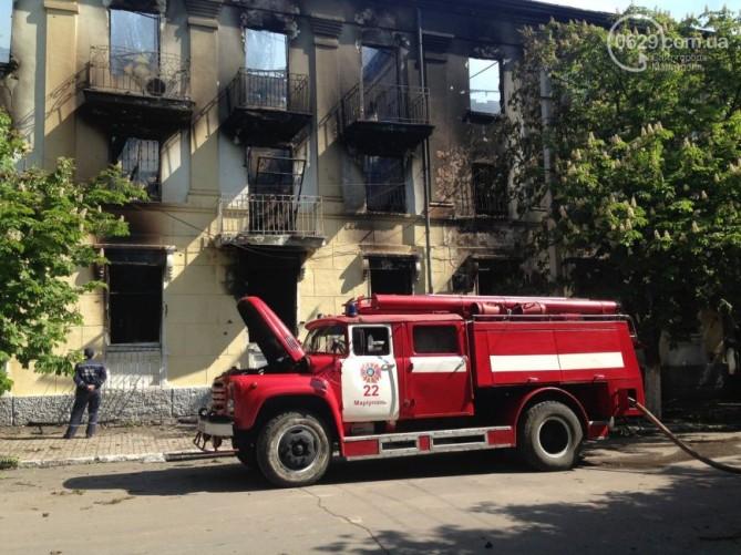 После пожара от здания милиции в Мариуполе остались руины (ФОТО)