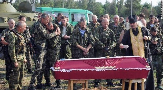 Журналист CNN снял массовые похороны террористов (ФОТО)