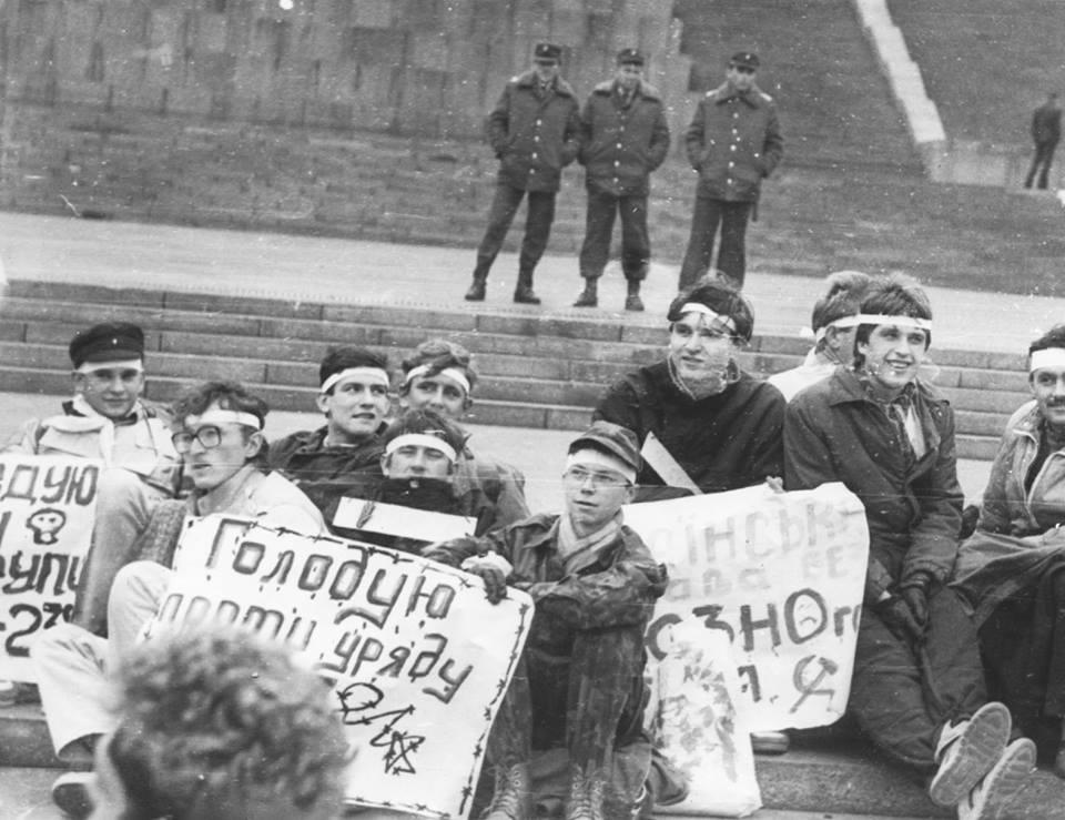 Путин прибегает к истерическим попыткам остановить победное движение Революции Достоинства, но у диктаторов всегда один конец, - Турчинов - Цензор.НЕТ 1779