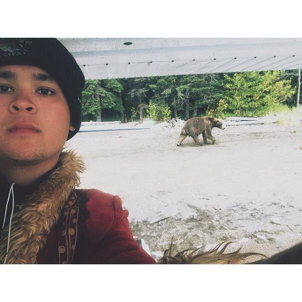 Новый тренд селфи с медведем фото 4