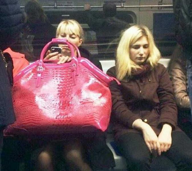 Безумные пассажиры российского метро (фото 9)