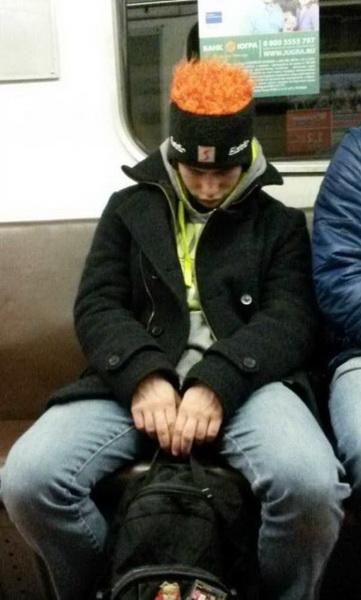 Безумные пассажиры российского метро (фото 14)