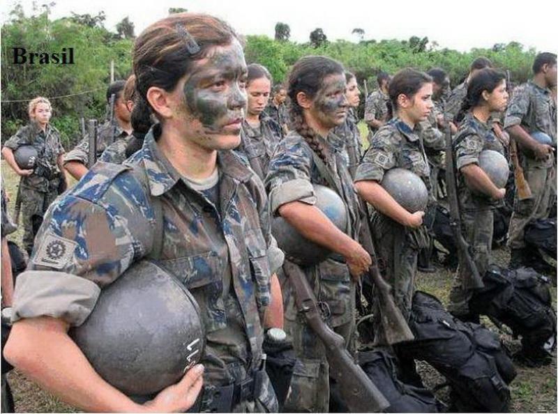 Военнослужащие девушки со всего мира