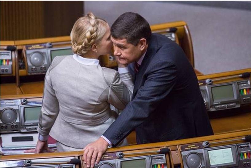Премьер обвиняет министра в работе на одиозного депутата Онищенко