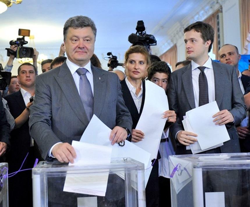 Порошенко подписал закон об открытых реестрах движимого и недвижимого имущества - Цензор.НЕТ 9706