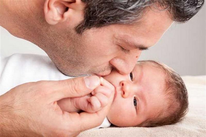 Нигерия. В Нигерии нельзя целовать ребёнка в области губ, иначе он вырастет глупым.
