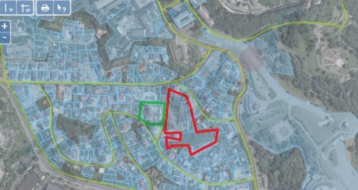 Красной линией обозначена земля Петра Порошенко, зеленой – Игоря Кононенко.