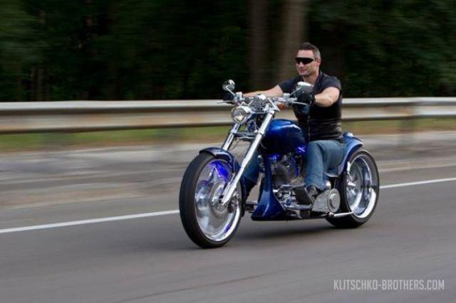 Виталий Кличко на мотоцикле